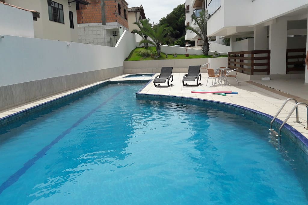 Piscinas adulto e piscina  infantil