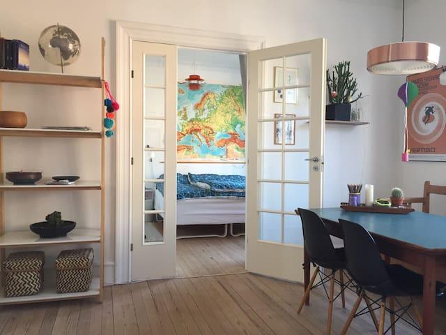 Charmerende lejlighed i centrum - Esbjerg - Apartment
