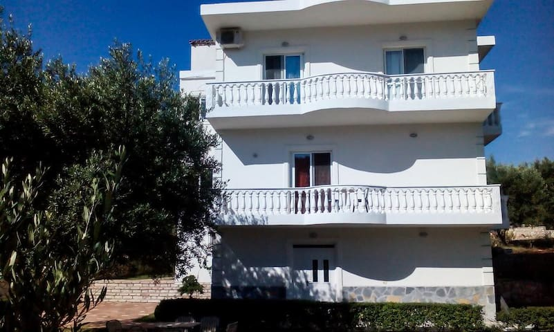Villa Ambra  Double Room 100 Metres from the Beach
