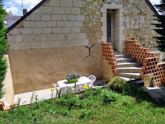 Appart lumineux équipé, 2 ch+ terrasse et jardin
