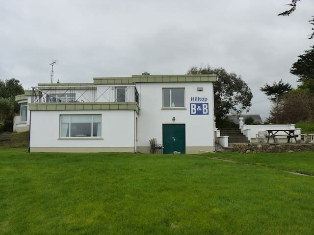 Hilltop House - Private Double Room - Wexford - Casa