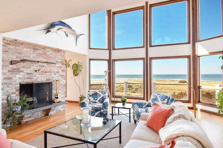 #525: Beachfront on Private Beach, secluded, sweeping views of the Cape Cod Bay!