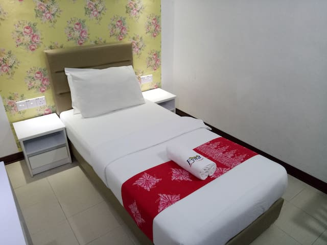 MOTEL FYNA (SINGLE STANDARD ROOM WITH BREAKFAST)