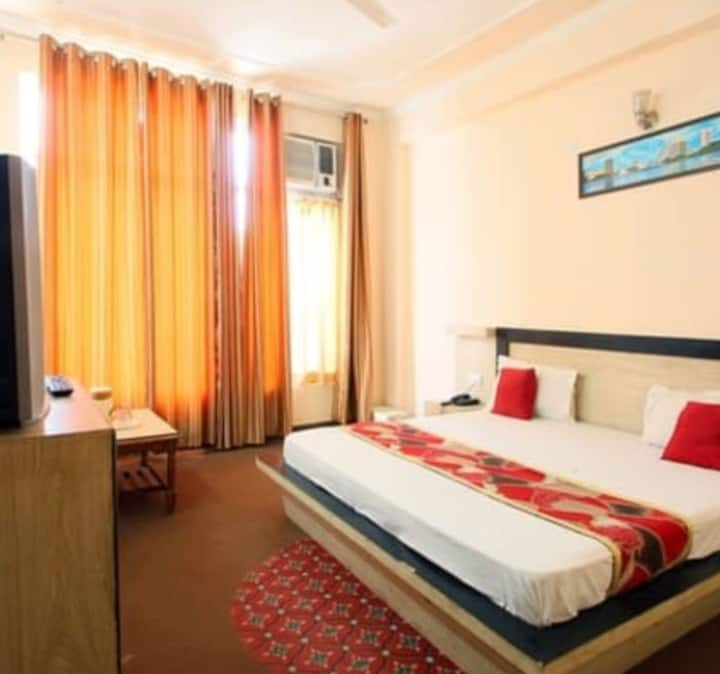 Hotel AJ International Deluxe Room
