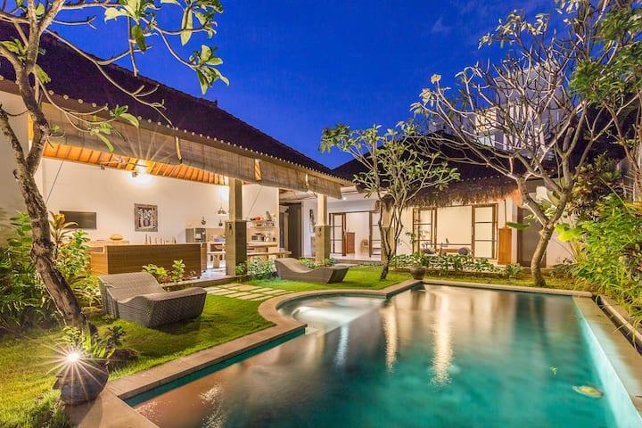 Tropical Spacious Villa in the Heart of Seminyak#4