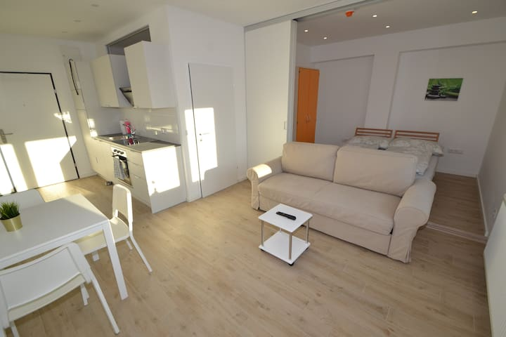 Schönbrunn (14): Sonniges City-Appartement mit
