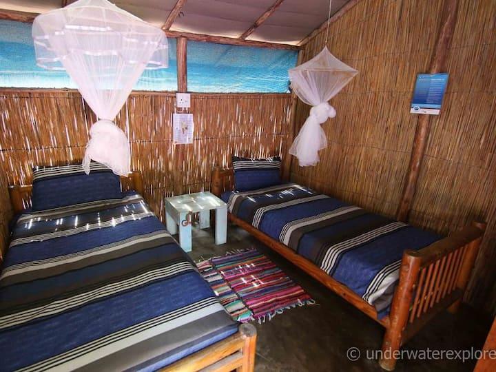 Under Water Explorer Beach Casetas  - Twin beds