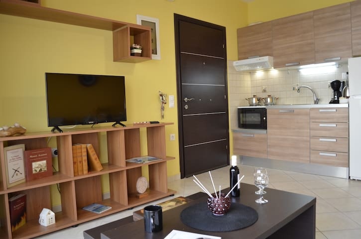 Dimitris' modern apartment