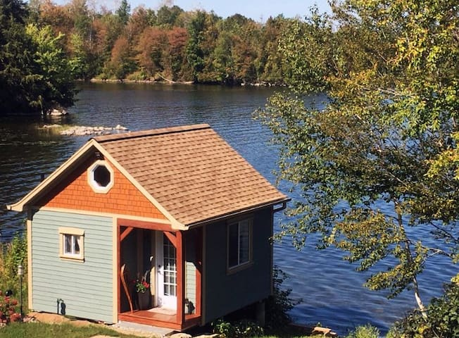Big Rideau Lakeside Mini Chalet