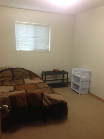 Clean apt to relax in. - Sherwood Park - Apartment