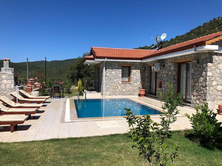 Kayaköy Ölüdeniz Fethiye de 2+1 Villa