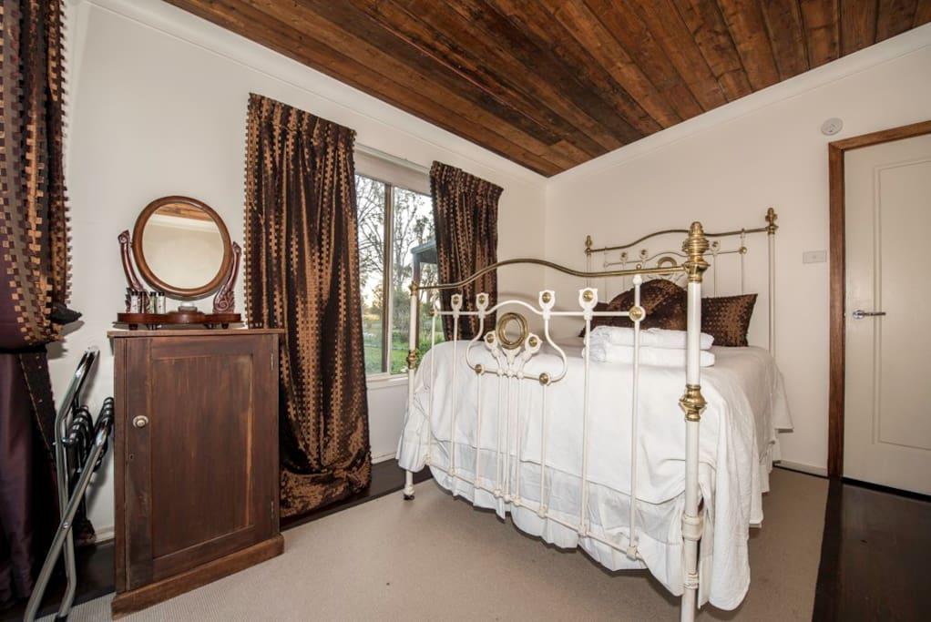 Bedroom 2 Double bed.