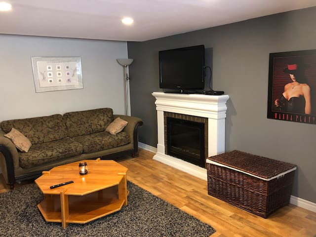 ❤The Goulds Lovely 1BR  Retreat W/Fireplace❤