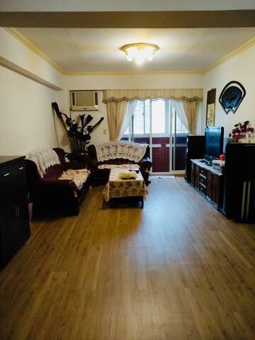天母棒球場電梯大厦優質寬敞套房 大空間使用 TienMou cozy large room