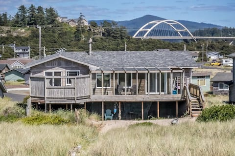 Oceanfront Cozy Cabin with Private Backyard Beach