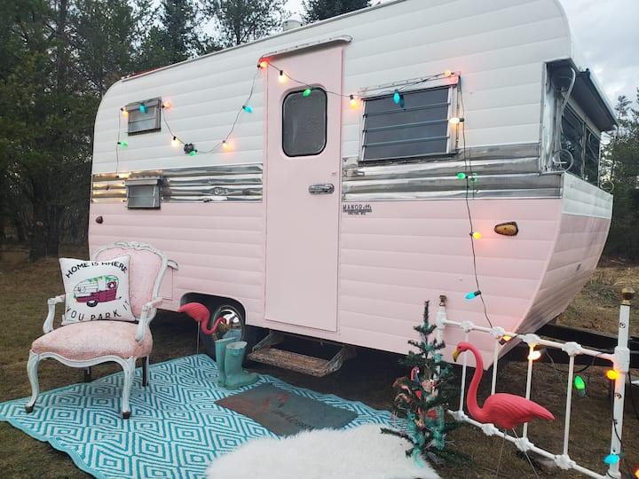 """""""Flossie """"Tiny Home/ Vintage camper"""