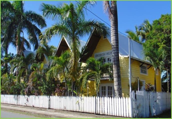 Yellow Houses Bocas