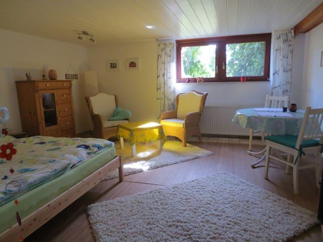 Souterrain mit Miniküche & Duschbad - Ahnsen - Ház