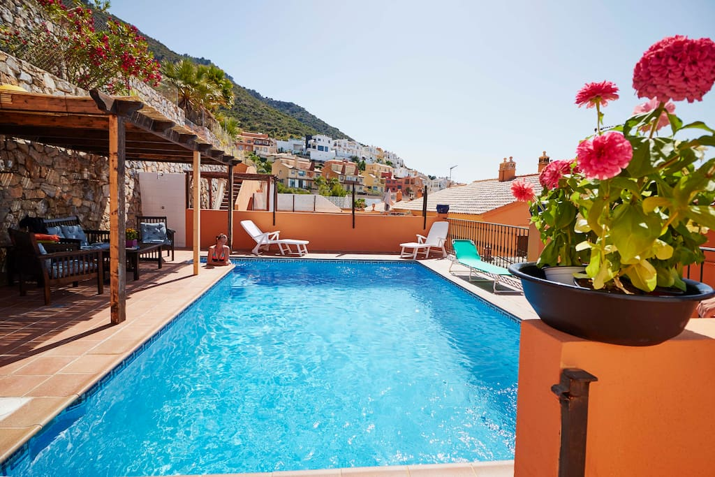 Villa para 6 personas con piscina privada villas en for Alquiler villas con piscina privada