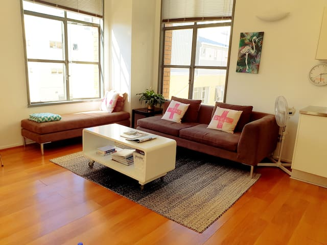 Bright Compact One Bed Wellington