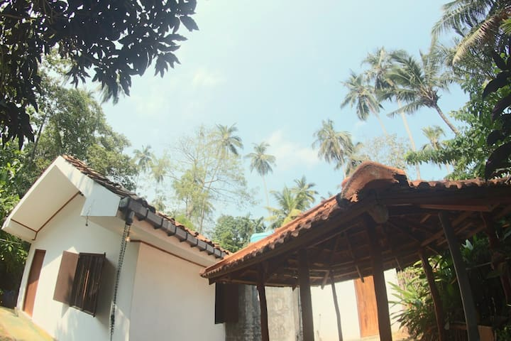 Surf House - Hiriketiya - Matara - House