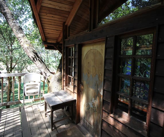 Front deck of treehouse