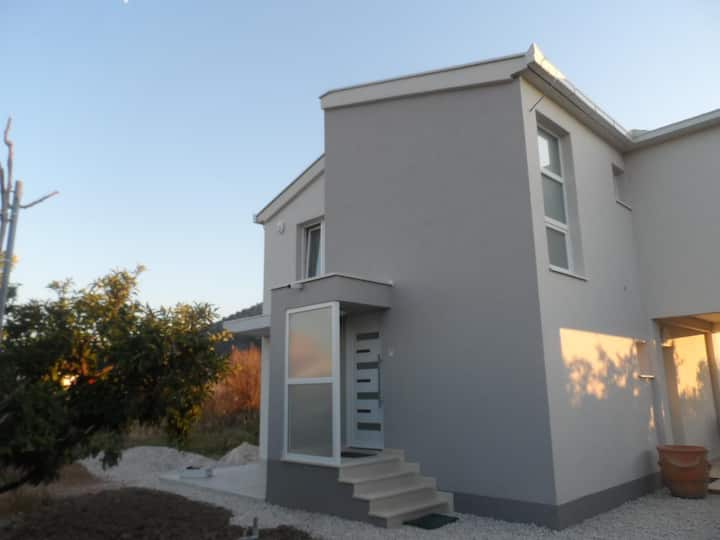 One bedroom apartment with balcony Opuzen, Neretva Delta - Ušće Neretve (A-18070-b)
