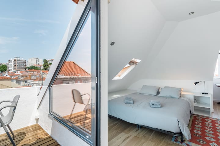 Beautiful Apartment with View of the Tagus River