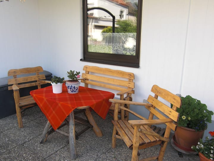 Apartment am Blumengarten mit Bad und Wohnküche