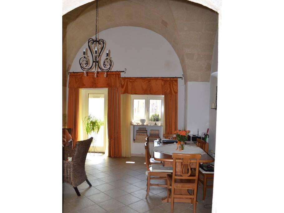 Wohnzimmer - Blick zum Eingang