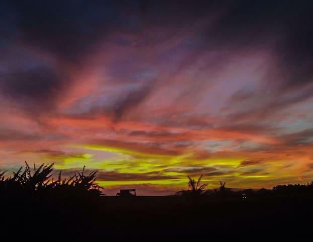 Hilltop Volcano Views - Masaya - Hus