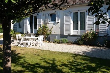 Maison avec jardin à deux pas de la plage - Saint-Aubin-sur-Mer