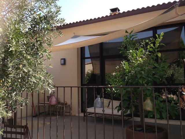 Maison contemporaine au calme entre Avignon Nimes - Théziers - Ev