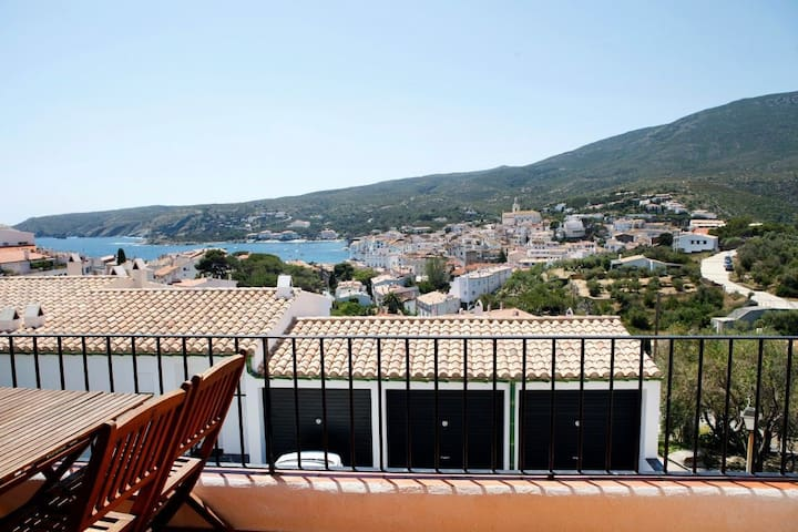 101.03-Apartament with two bedrooms and terrace with sea views.