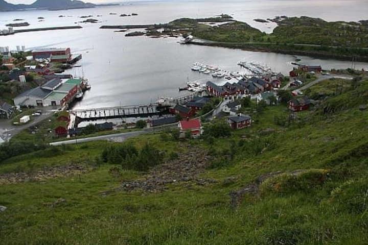 Enebolig på Ballstad i Lofoten