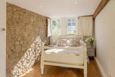 Kent, dog friendly, warm and cosy cottage