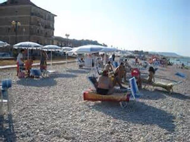 Casa direttamente sul mare - Borgata Marina
