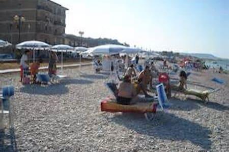 Casa direttamente sul mare - Borgata Marina - Wohnung