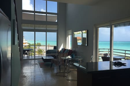 Oceanfront Loft Life, Cap Cana, Punta Cana