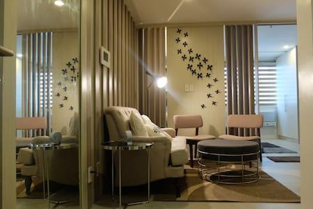 BSA TWIN TOWERS 1 bdroom w/ everything u need - Pasig - Wohnung
