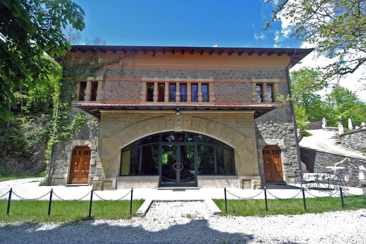 Exclusive villa in the countryside of Pistoia with private pool and jacuzzi