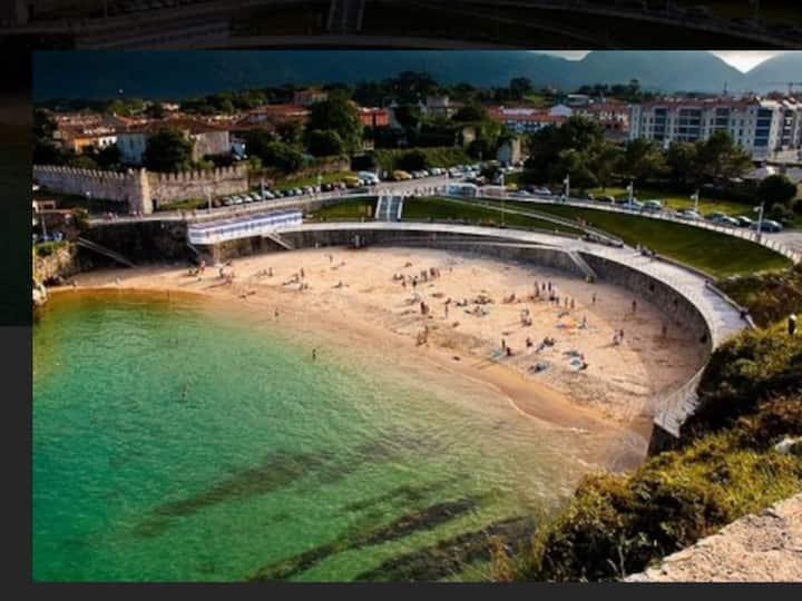 Frente Playa del Sablón. Piso de lujo con garaje.-