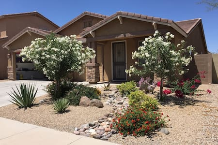 Sunny haven! Golf community! - Queen Creek