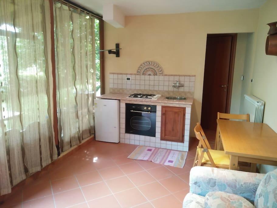 Zona giorno (cucinotto) - Living room (kitchen)