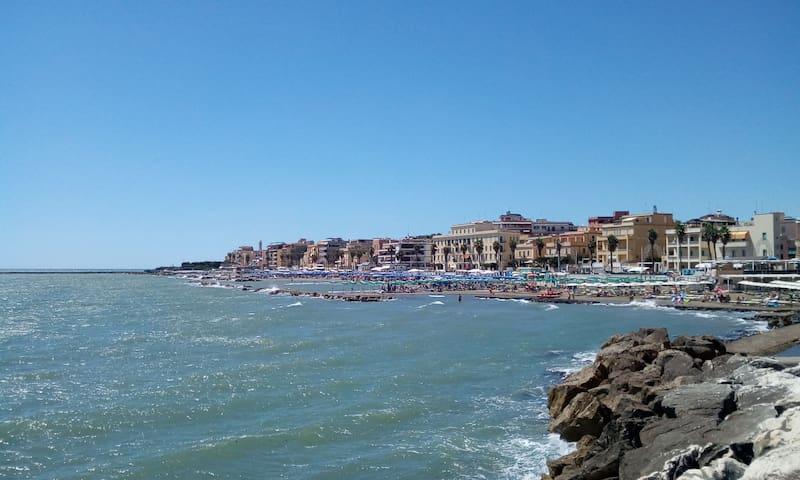 Appartamento indipendente Lavinio Anzio Mare