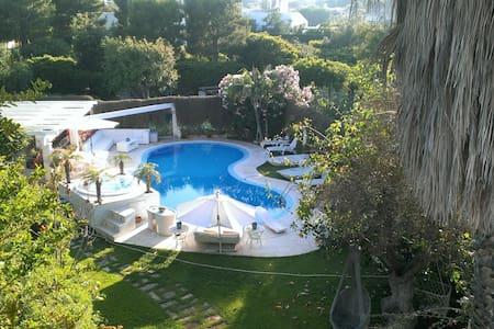 villa pool beach Ostuni Apulia - Rosa Marina