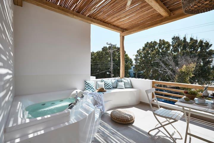 Arco Solium Suites-Deluxe Suite,outdoor Jacuzzi