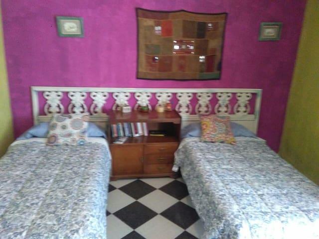 camas separadas  con posibilidad de juntarse
