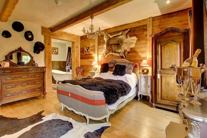 Boutique Bed & Continental Breakfast Alpine Chalet