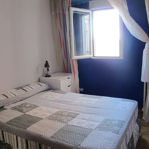 Airy room close to Madrid center